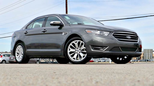 PRE-OWNED 2017 FORD TAURUS LIMITED FRONT WHEEL DRIVE SEDAN